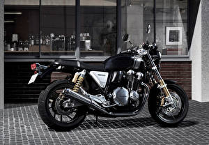 Honda_Motorcycles_2016_CB1100_RS_Side_Black_514553_300x208.jpg