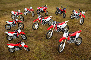 Honda_Motorcycles_Many_CRF_Series_514148_300x200.jpg
